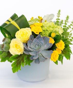 Yellow Roses & Green Full Bloom Hydrangea