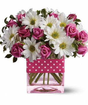 White Daisies and Pink Spray Roses Floral Arrangements, Florist San Diego