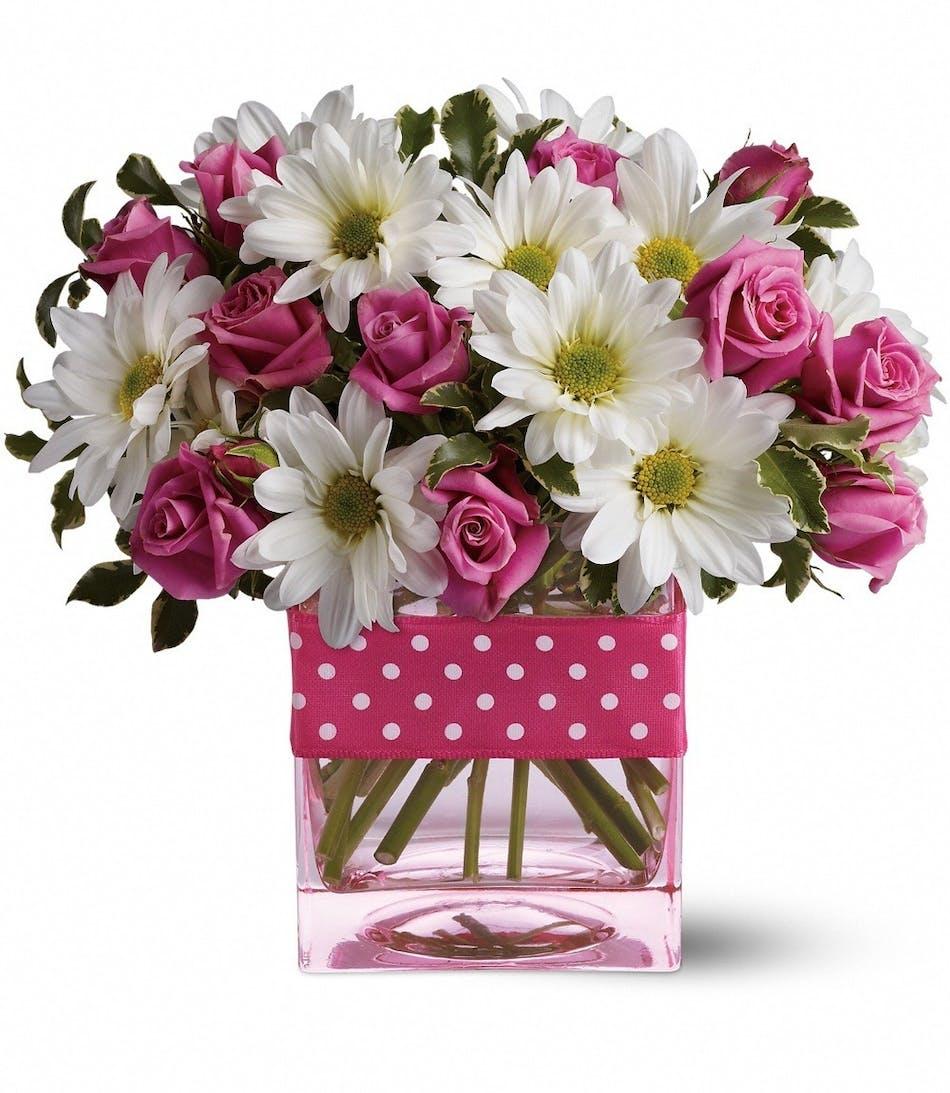 Pink Spray Roses San Diego White Daisies San Diego Chrysanthemums